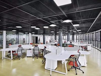 为什么定制优质办公家具可帮助企业留住人才?