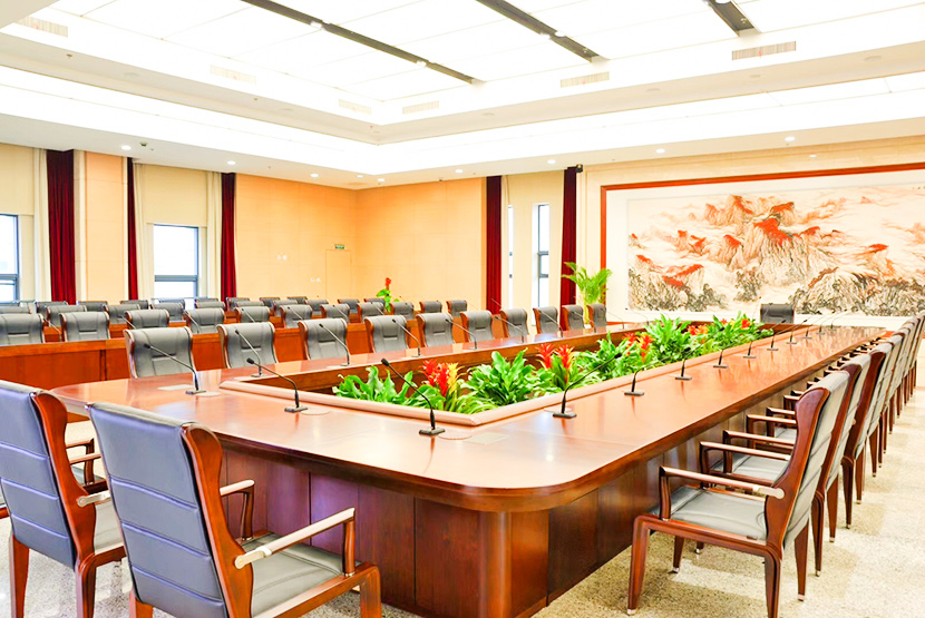 欧时家具解析办公室家具会议桌定制为何要实体定制