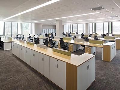 如何在办公家具众多款式中做更好的选择?